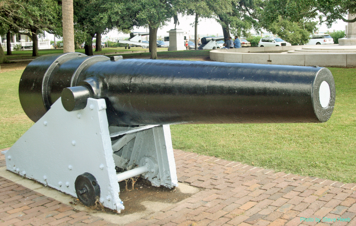 Civil War cannon and mortar