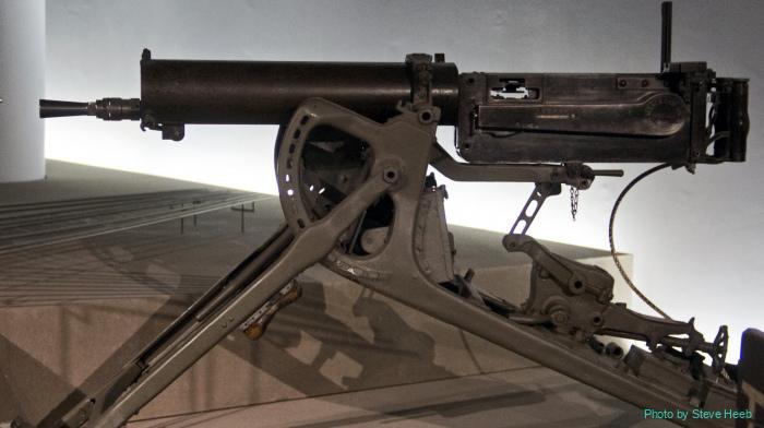 MG 08 machine gun