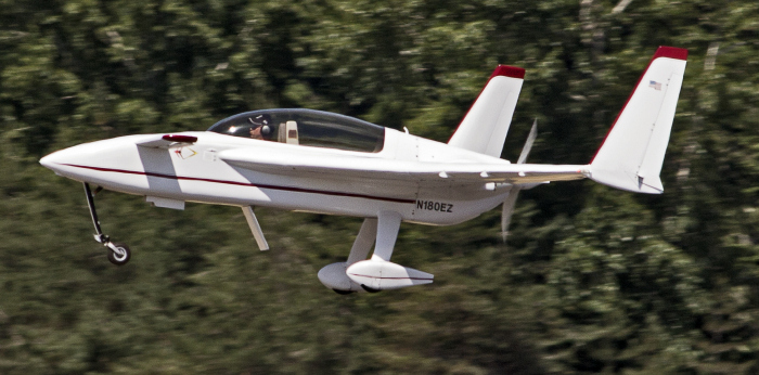 Rutan Long-EZ (multiple)