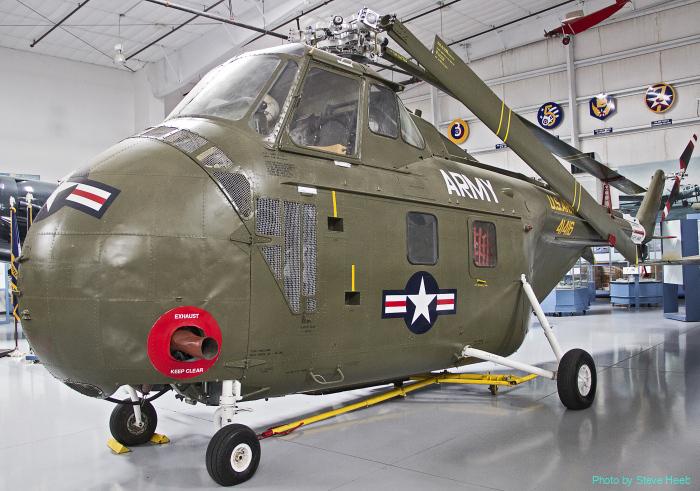 UH-19 Chickasaw (multiple)